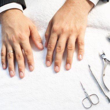 Manicure męski z odżywką