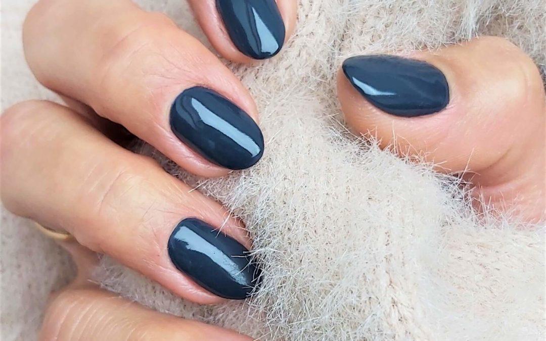 Manicure stalowo szary Vinylux