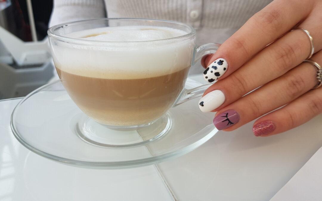 Wpływ Kawy na Paznokcie – Kofeinowe Paznokcie To Nie Jest Dobry Look